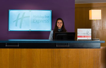 Hotel Express By Holiday Inn.