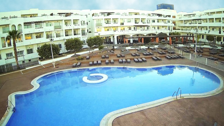 Hotel ohtels cabogata retamar almera for Piscinas almeria