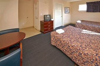 Hotel Suburban Extended Stay West Six Flags