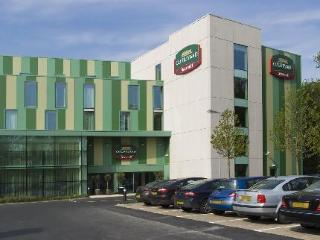 Hotel Courtyard By Marriott Airport