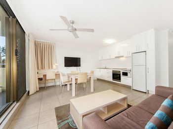 Hotel Broadbeach Travel Inn