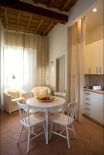 Residencia Florence Apartments