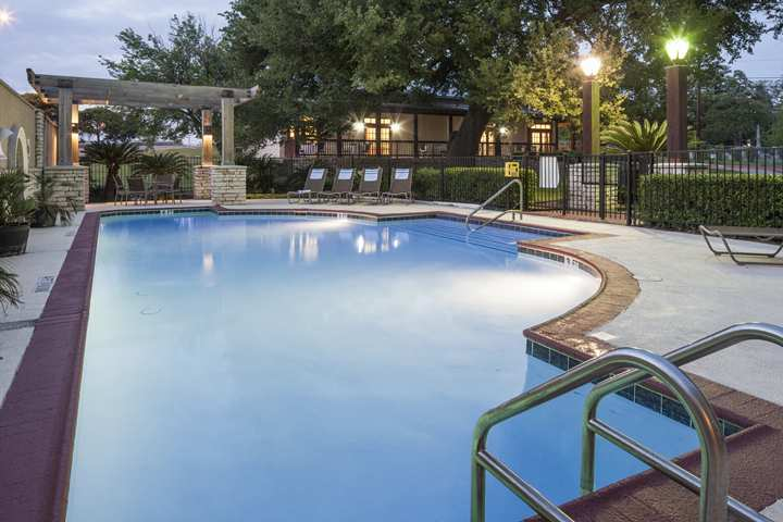 Hotel Doubletree Club Austin-university Area