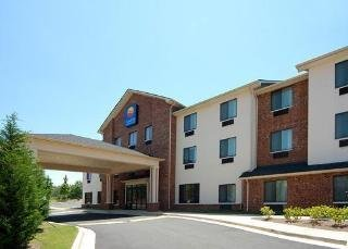 Hotel Comfort Inn & Suites Near Lake Lanier