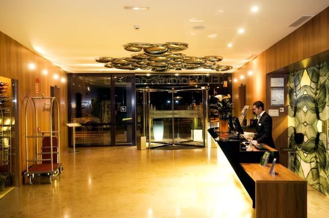 hotel zenit jardines de uleta suites vitoria gasteiz