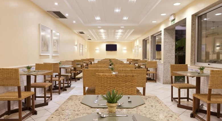 Hotel Savoy Othon Travel