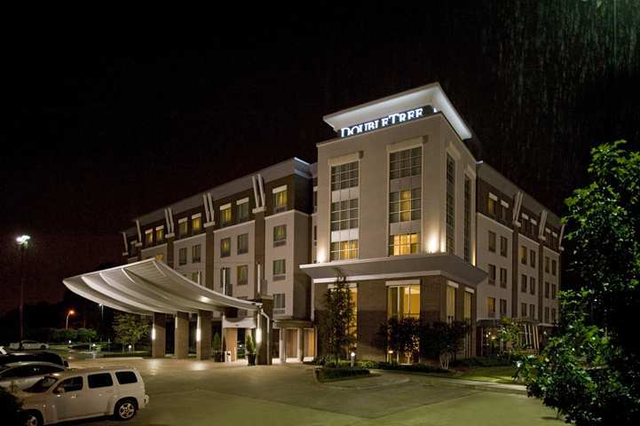 Hotel Doubletree By Hilton Baton Rouge