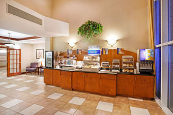 Holiday Inn Express Hotel  Suites Cherokee/ca