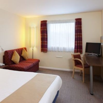 Hotel Holiday Inn Express Cardiff Airport