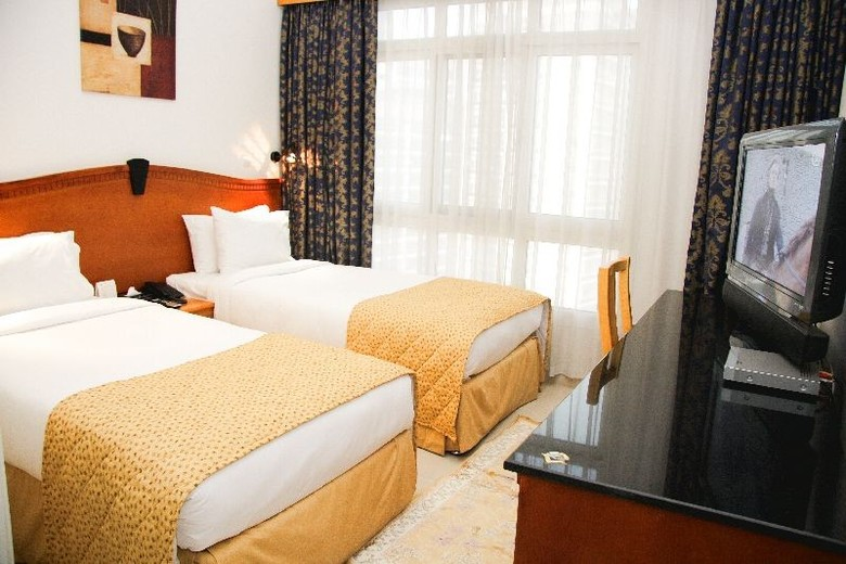 Ramee Guestline Hotel Apartment 3