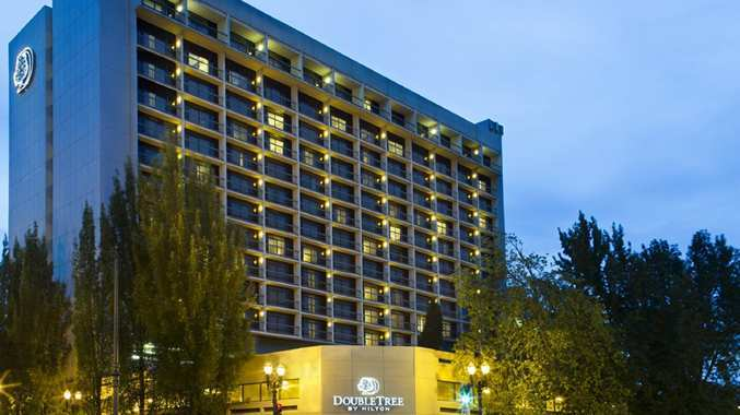 Doubletree Hotel & Exec. Meeting Ctr. Portland-lloyd Center