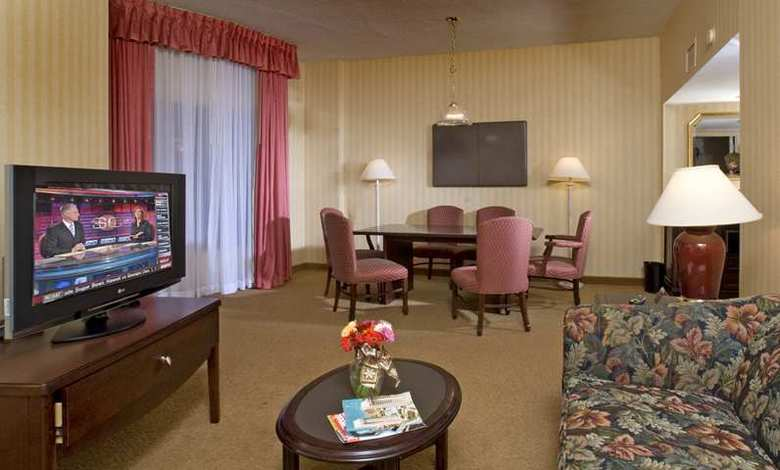 Hotel Embassy Suites Alexandria - Old Town
