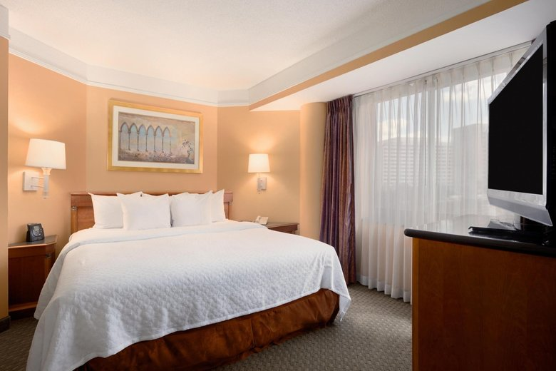 Hotel Embassy Suites Crystal City - National Airport