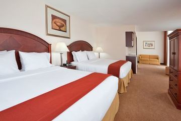 Holiday Inn Express Hotel  Suites Detroit - F