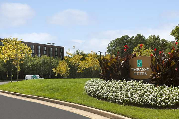 Hotel Embassy Suites Richmond - The Commerce Center