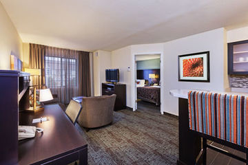 Hotel Staybridge Suites Tulsa Woodland Hills