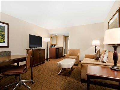 Hotel Embassy Suites Dallas - Near The Galleria