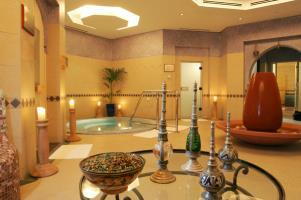 Hotel Palm Tree Court  Spa