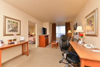 Hotel Staybridge Suites Calgary Airport