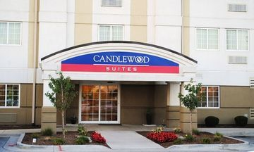 Hotel *candlewood Suites*