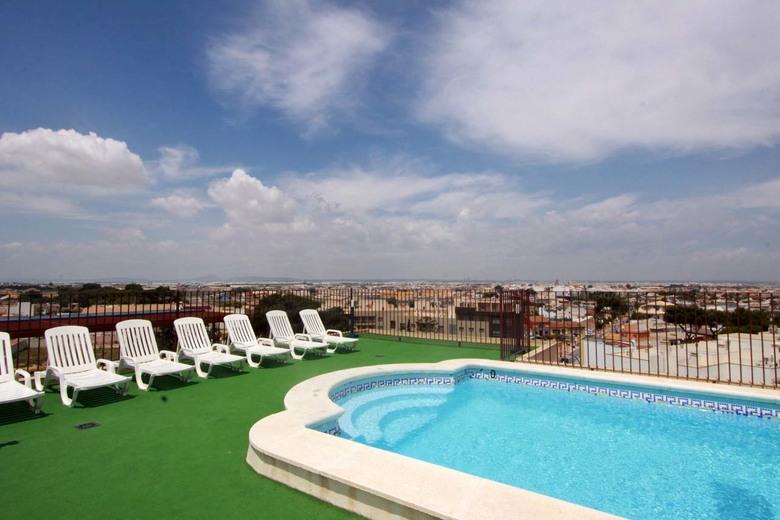 Hotel traia san pedro del pinatar murcia for Thalasia precio piscina