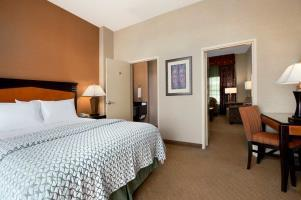 Hotel Embassy Suites Brea - North Orange County