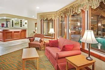 Hotel Baymont Inn And Suites Indianapolis