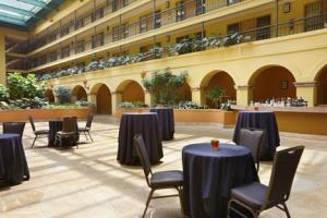Hotel Embassy Suites Los Angeles - International Airport/south