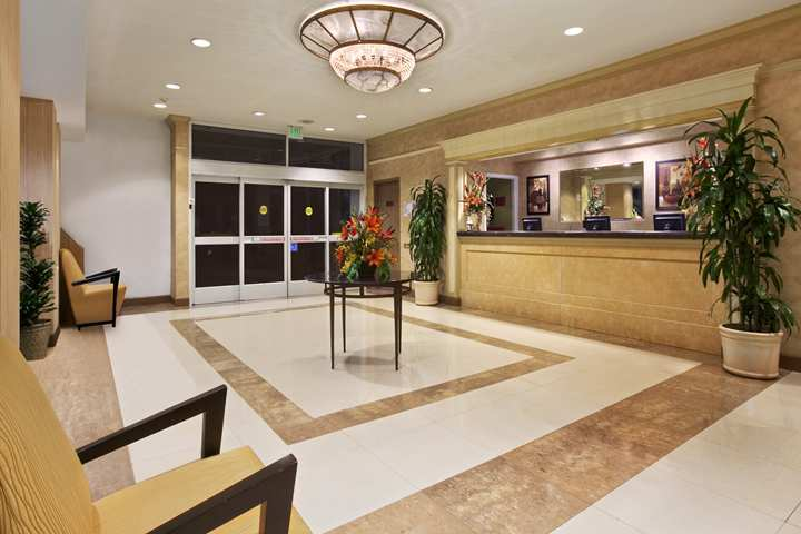 Doubletree Hotel Los Angeles International Airport