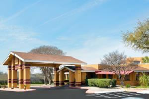 Hotel Howard Johnson Inn & Suites