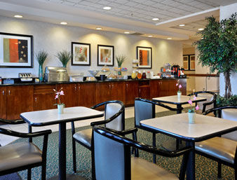 Hotel Wingate By Wyndham - Dallas Las Colinas