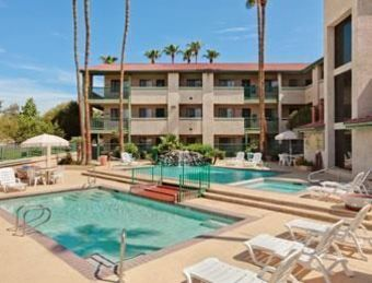 Hotel Country Inn & Suites Tempe