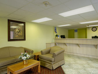 Hotel Days Inn And Suites Springfield