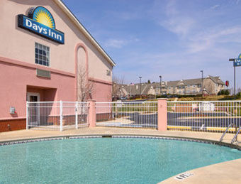Hotel Days Inn And Suites Huntsville