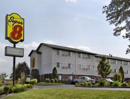 Hotel Super 8 Milwaukee Airport