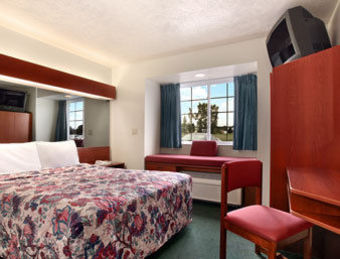 Hotel Microtel Inn & Suites