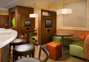 Hotel Courtyard By Marriott Waldorf