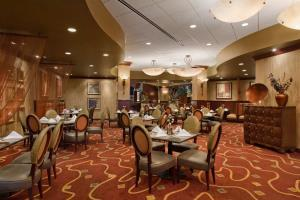 Embassy Suites Hampton Roads - Hotel Spa & Convention Cente