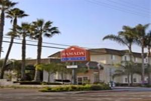 Hotel Ramada Inn & Suites North