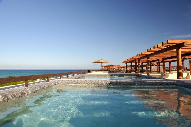 hotels aldea thai luxury condohotel