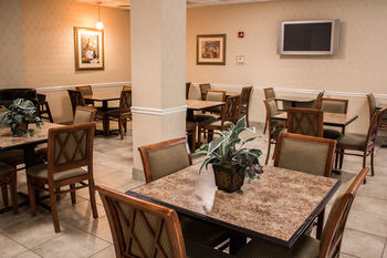 Hotel Comfort Suites Savannah North