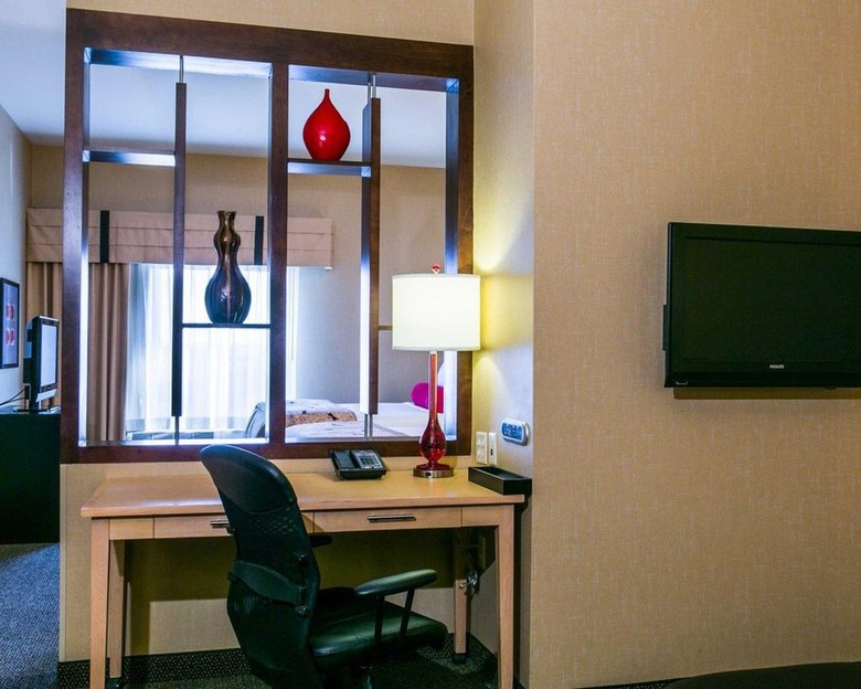 Hotel Cambria Suites Denver Airport