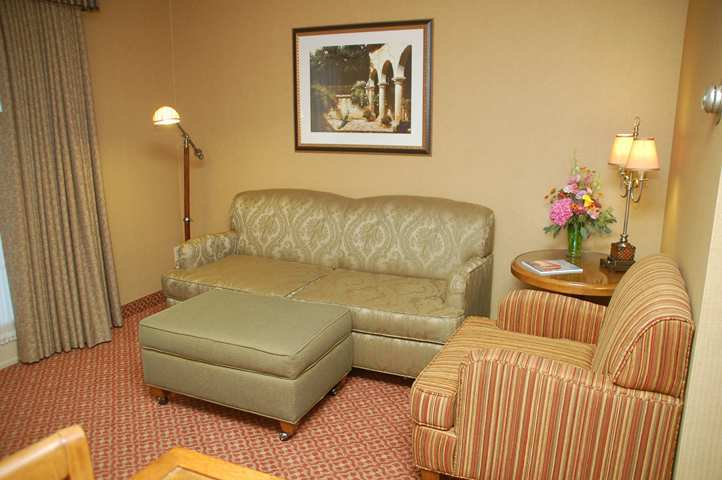 Hotel Embassy Suites Lompoc - Central Coast