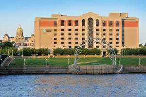 Hotel Embassy Suites Des Moines - On The River