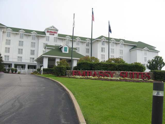 Hotel Embassy Suites Pittsburgh - Intl Airport