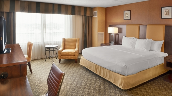 Doubletree Hotel Bay City - Riverfront