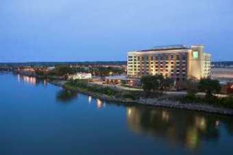 Embassy Suites East Peoria - Hotel & Riverfront Co
