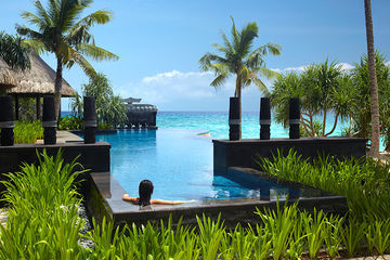 Hotel Shangri-la's Boracay Resort And Spa