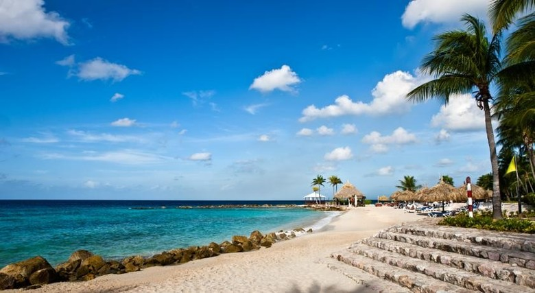 Hotel Curacao Marriott Beach Resort & Emerald Casino