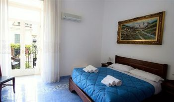 Bed & Breakfast Domus Sorrento